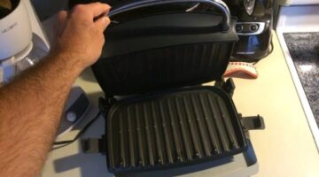 How To Clean A George Foreman Grill – 3 Ways To Make Your Grill Practically Clean Itself!