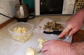 cutting-potatoes-into-cubes.jpg