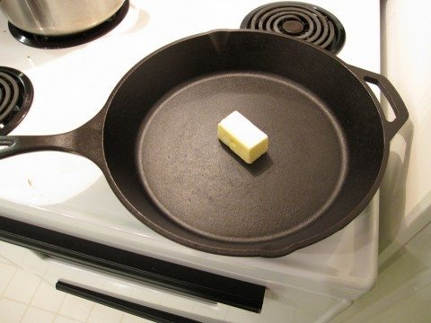 seasoning-a-cast-iron-skillet-by-wlayton
