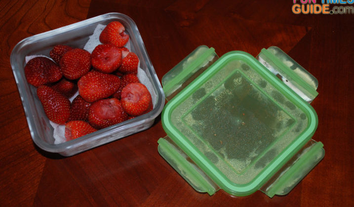 Fresh strawberries, pasta sauce, and blackberries are foods that I would NEVER save in plastic food storage containers - because they could stain the plastic. That's just one of the many reasons I love my new Snapware Glasslock food storage containers. No staining... even that silicone ring inside the lid doesn't stain!
