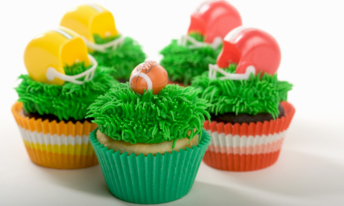 10 Awesome Ways To Decorate Football Cupcakes Amp Score Big
