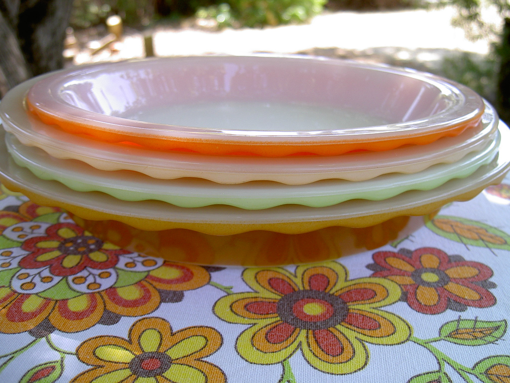 pyrex-pie-dishes-by-quiltingmick-michelle.jpg & My Favorite Food Serving \u0026 Storage Plates Bowls And Lids | The Food ...
