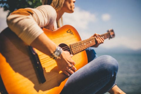 Want to learn to play the guitar? Add it to your summer bucket list!